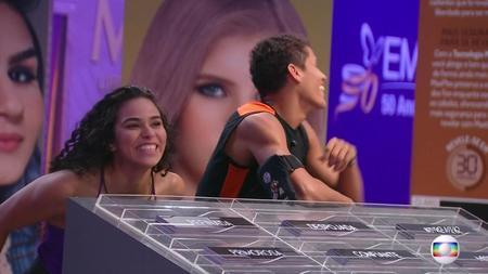 Left or right bbb 19 danrley e elana lideres 1